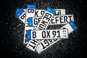 Kfz-Kennzeichen, geprägt von www.kennzeichenbox.de