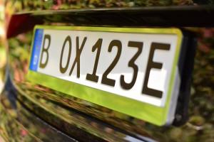 So sieht das neue E-Kennzeichen für Elektroautos aus