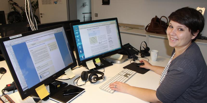 Swetlana aus dem Marketing-Team an ihrem Arbeitsplatz - netTraders GmbH